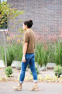 A multi-seasonal, short-sleeved pullover from Julie Hoover. A perfect light spring sweater, or when it's cold, layer it over another shirt for added warmth. Knitting Designs, Knitting Patterns, Cable Chart, Cable Needle, Dk Weight Yarn, Great Hobbies, Light Spring, Stockinette, Knitting For Beginners