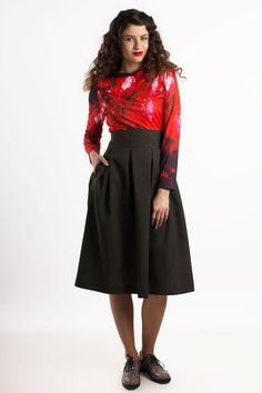 Moss green midi leafy skirts with pockets and pleats. Skirts with lining.