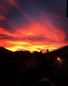 "@mb68 su Instagram: ""#winter#morning#sky#red#yellow#orange#"""