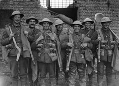 BATTLE FROMEELES 19 - 20 JULY 1916 (Q 649)   A party of British troops, Fleurbaix, May 1916.
