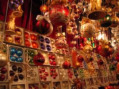 I have such a thing for Christmas markets! One of these days I've got to get to Germany and check them out in person.