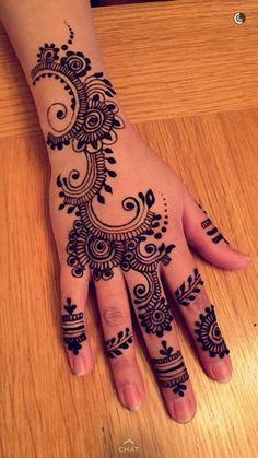 45 Henna Tattoo Designs For Girls To Try At least Once Henna Tattoo Designs, Henna Tattoos, Paisley Tattoos, Tattoo Trend, Henna Designs Easy, Mehndi Art Designs, Beautiful Henna Designs, Mehndi Patterns, Latest Mehndi Designs