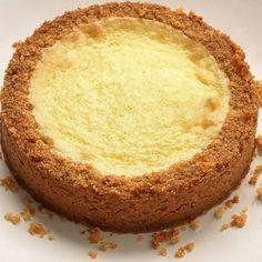 """Flan """"hypra-sablé #conticini #philippeconticini #pâtisserie #desserts #gateaux #cakes #pastry #sugar #vanilla #fleurdesel #vanille #biscuit #friable #sand #gourmandise #creamy #creme #cream #sable #landscape #lemon #lime #citron #"""