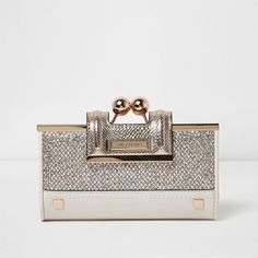 River Island Gold glitter ball clip top purse ($36) ❤ liked on Polyvore featuring bags, kiss lock bag, river island, glitter bag, river island bag and gold bag