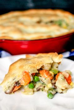 30 Minute Loaded Vegetable Pot Pie comes together super quickly and is majorly delicious! Packed full of healthy veggies, it's sure to comfort you this winter! Vegetable Pot Pies, Veggie Meals, Vegetarian Recipes, Cooking Recipes, Vegan Pot Pies, Food Stamps, Dessert For Dinner, Low Calorie Recipes, Dinner Recipes