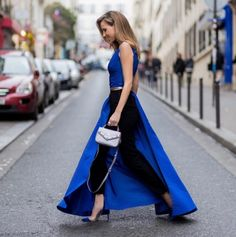 Silhouette Blog, Cool Style, My Style, Blue Suede, Casual Chic, Black Pants, Catwalk, Bell Bottom Jeans, One Shoulder