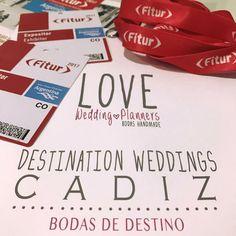¡Sííí! ¡Sííí! ¡Maaaadrid!  Ya estamos en el tren, cargadas, además de con dos maletones (#baúldelaPiquermodoON) de nervios, de felicidad, de ilusión, pero sobre todo, muchas muchas muchas ganas.  FITUR 2017...¡vamos a por tiiiii!  LOVE #love #amor #Cádiz #Cádizsiquiero #Madrid #FITUR #happy #feliz #wedding #weddingplanner #boda #bodasbonitas #bodasunicad #deco #decor #handmade #destinationwedding #destinationweddingplanner #chocolate #candybar #inspiration #invitacionesdeboda