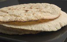 Tortillas di mais - Questa ricetta propone come preparare in case le tortillas di mais, cibo base della cucina messicana.
