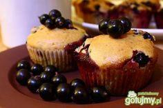 Muffiny z czarną porzeczką i czekoladą. Palce lizać!