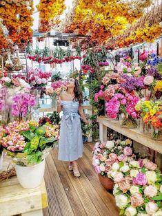 My Amsterdam Guide Flower Shop Decor, Flower Shop Design, Flower Shops, Amsterdam Flower Market, Bouquet, Floating Flowers, Flower Farm, Cactus Flower, Flower Aesthetic