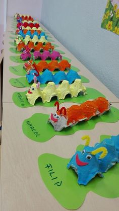 Good Images preschool crafts caterpillar Ideas This page has SO MANY Kids crafts which have been acceptable for Toddler and Preschoolers. I think it's time time pe Kids Crafts, Daycare Crafts, Summer Crafts, Cute Crafts, Toddler Crafts, Easter Crafts, Creative Crafts, Toddler Activities, Preschool Activities