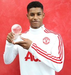 Rashford is United's Player of the Month - Official Manchester United Website Barcelona Soccer, Fc Barcelona, Alex Morgan Soccer, Man Utd News, Cristiano Ronaldo Lionel Messi, Manchester United Players, Marcus Rashford, Soccer Girl Problems, Premier League Champions