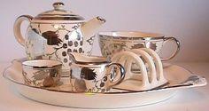 Susie Cooper silver luster design