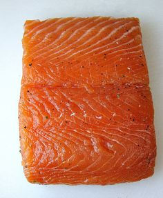 Make your own lox (smoked salmon) with this easy lox recipe. You will never go back to store-bought lox! Homemade lox is so much fresher, tastier, and healthier than store-bought lox. Serve lox for breakfast or brunch on a toasted bagel with cream cheese. Cured Salmon Recipe, Smoked Salmon Recipes, Seafood Dishes, Seafood Recipes, Seafood Bbq, Salmon Smoker, Lox Recipe, Salmon Lox, Salmon Breakfast
