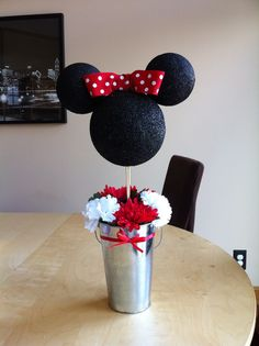 Classic Minnie Mouse centerpiece/ Disney birthday party centerpiece - My WordPress Website Minnie Mouse Theme Party, Red Minnie Mouse, Minnie Mouse 1st Birthday, Mickey Party, Mouse Parties, Disney Parties, Birthday Party Centerpieces, Birthday Parties, Birthday Table