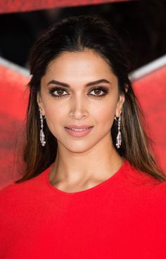 HQ- Deepika Padukone at @xxxMovie European premiere