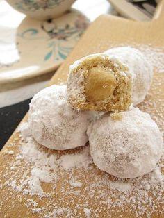 Merhaba Sevgili Dostlar, Yine güzel bir kurabiye tarifi ile geldim.Bu kurabiye hamurunu daha önce hazırlamıştım.Çok beğendiğim bir ha...