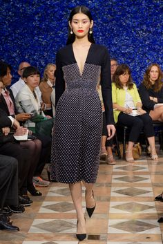 Christian Dior Fall 2012 Couture Fashion Show - Ming Xi (Elite)