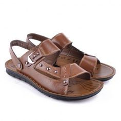 Casual Men's Sandals With Solid Color and Rivets Design