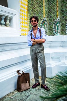 Repost @nicolaradano ・・・ Nostalgia feeling in #Bangkok, Thailand. In the midst of monsoon weather, I am wearing my first ever bespoke olive green linen jacket, and white linen trouser with Kjøre's tote bag. Perfect for fighting the Bangkok humid weather.  Ph: @maxsys (sorry @rockhoundd ). #NicolaRadano #kjøre #kjoreproject #photo #canon #instagram #friends #igers #handmade #wallets #accessories #vibram #shoes #backpacks