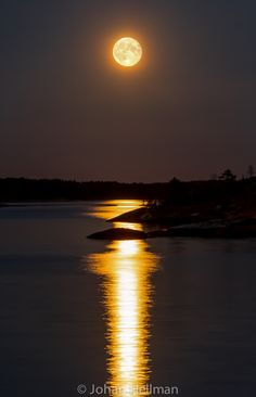 Moon reflection by Johan Hellman on 500px