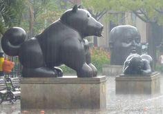 Les statues de Botero sous la pluie, magnifique – Medellin en Colombie