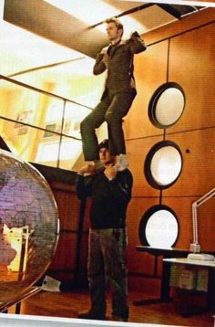 """They couldn't leave David hanging for hours while shooting the levitation scene in """"The Last of the Timelords"""", so this happened."""
