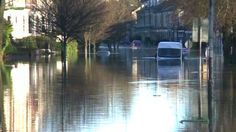 UK floods: Water levels continue to rise in York - BBC News Bbc News, England, River, York, December, English, British, United Kingdom, Rivers