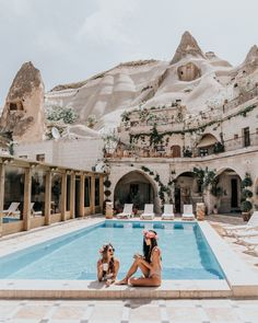 Local Cave House Are you visiting Cappadocia and looking for the best cave hotels? Here's a list of the best Cappadocia Cave Hotels with a view! Places To Travel, Places To Go, Travel Destinations, Turkey Destinations, Travel Tourism, Travel Agency, Dream Vacations, Vacation Spots, Vacation List