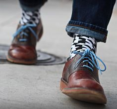 Gifts that give back: cool socks for men  + women to support the US homeless