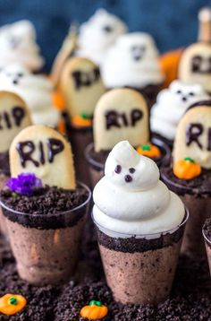 Ghosts in the Graveyard Dessert Shooters - adorable halloween desserts