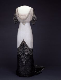 Beaded and rhinestoned silk tulle evening gown, by Worth, British, 1912-13.
