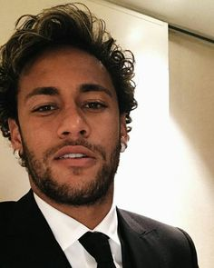 Neymar da Silva Santos Júnior, allgemein bekannt als Neymar oder Neymar Jr. Neymar Jr, Neymar Football, Football Boys, Neymar Memes, Messi Soccer, Paris Saint, Saint Germain, National Football Teams, Boyfriends