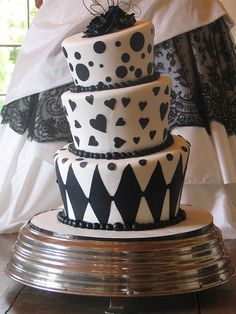Alice in Wonderland / Mad Hatter Wedding Cake