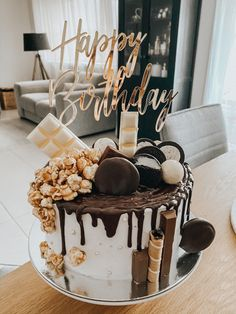 30 Birthday Cake, Cakes For Boys, Photo And Video, Desserts, Instagram, Food, Tailgate Desserts, Deserts, 30th Birthday Cakes