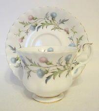 Royal Albert Cardo escocés taza de té y platillo Brigadoon patrón de Inglaterra