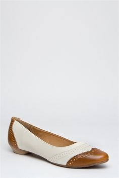 The shoes gods love me! Been searching everywhere for Oxford ballet flats.