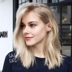 Medium Hairstyles for Thin Blonde Hair
