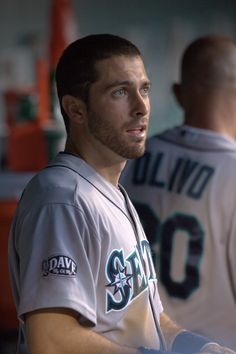 #Mariners second baseman Dustin Ackley sports a neatly trimmed beard.