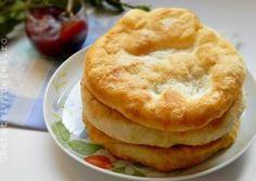 LANGOSI Romanian Desserts, Romanian Food, Romanian Recipes, Baby Food Recipes, Dessert Recipes, Cooking Recipes, Good Food, Yummy Food, Dessert Bread