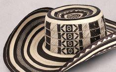 El tradicional de la cultura Zenú: Sombrero Vueltiao de Colombia Cycling Outfit, Canvas, Handmade, Accessories, Tattos, Style, Nail Art Designs, Tela, Stylus