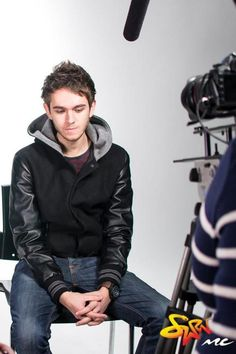 Zedd... SO ATTRACTIVE!!!!! This is a cool Pin but OMG check this out #EDM www.soundcloud.com/viralanimal