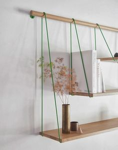 DYI idea. A new take on the string system... Ma semaine sur les blogs { 1 } Furniture Design, Diy Furniture, Suspended Shelves, Modern Floating Shelves, Floating Wall, Unique Shelves, Rustic Shelves, Wooden Shelves, Diy Holzregale