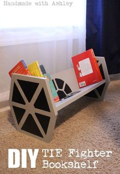 Un banc pour enfant en forme de Tie Fighter Star War