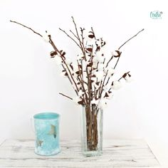 DIY FAUX COTTON BRANCHES Are you on the lookout for beautiful farmhouse decorating ideas that you can whip up in just minutes? You can easily create a fabulous DIY farmhouse decor with these adorable cotton branches! Diy Hanging Shelves, Diy Wall Shelves, Mason Jar Crafts, Mason Jar Diy, Fleurs Diy, Creation Deco, Idee Diy, Mason Jar Lighting, Diy Flowers