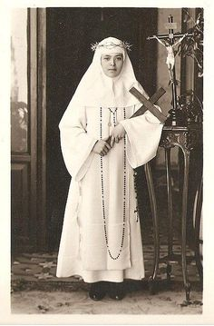 Some photos of Sor Maria de Lourdes, who founded the monastery of Cordova, CA.