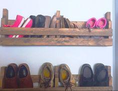 Pallet Shoe Rack / Wall Shoe Rack / Rustic Shoe Rack / Shoe | Etsy Rustic Shoe Rack, Wooden Shoe Racks, Wooden Pallet Projects, Wooden Pallets, Pallet Ideas, Diy Projects, Wall Shoe Rack, Shoe Wall, Minwax Wood Stain