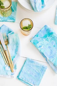 DIY Fabric Marbling - Sugar and Charm - sweet recipes - entertaining tips - lifestyle inspiration