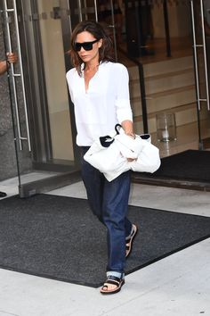 When Victoria Beckham Wears Boyfriend Jeans, You Know She Means Business