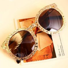 Gold Sunglasses Thick   well crafted fashion sunglasses similar to what the  celebrities wear! b1e5ed076479